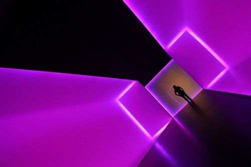19_Fluorescent Tunnel