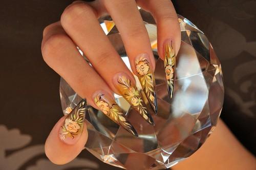 24_Gold Nail Art Design With Rose 11